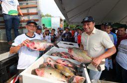 'Peixe no Prato' leva 2,5 toneladas de pescado a preços populares no bairro Alvorada